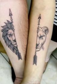 適合情侶的9組小清新成對紋身圖案
