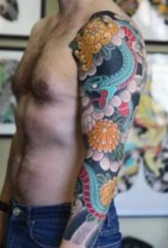 老传统风格的花臂纹身作品9张