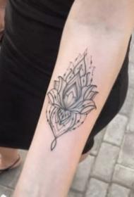 女生的黑灰色梵花性感紋身圖案