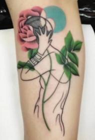 精致的人像与颜色图形搭配的抽象纹身