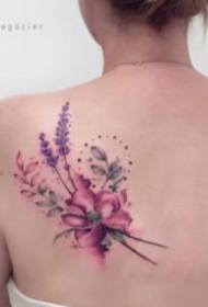 27组适合女孩子的水彩花性感小纹身
