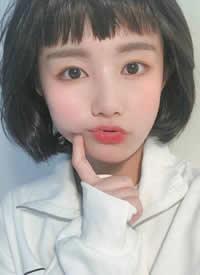 一组显得女生可爱的齐刘海发型图片