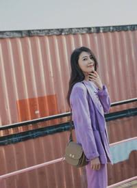 高圓圓穿紫色西服迷人大長腿性感圖片