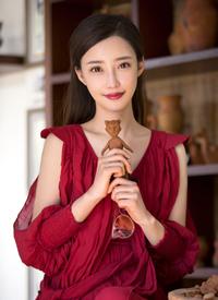 一組劉凡菲紅色長裙性感圖片欣賞