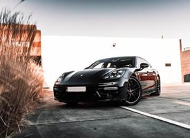 黑化后的保时捷 Porsche Panamera Sport Turismo