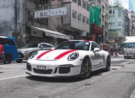 一组香港街头的 保时捷 911 R图片欣赏