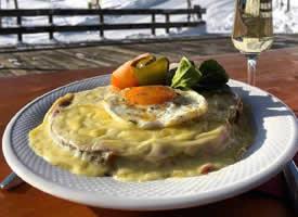 在瑞士旅行路上的美味早餐图片欣赏