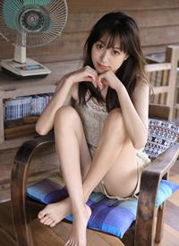 纯情美女大眼长腿美女性感写真欣赏
