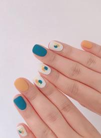 可爱的春季彩色小指甲们图片欣赏