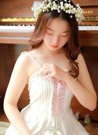 森系美女蕾丝白纱性感诱人写真图片