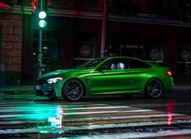 不得不说这组绿色宝马M4 夜间大片是真的帅