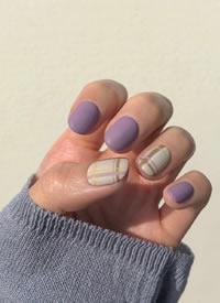 一組氣質香芋紫色系美甲圖片欣賞
