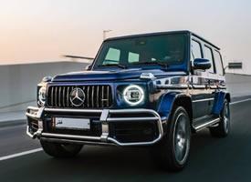 一组帅气的全新宝蓝色奔驰 G63 AMG