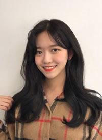 不同个性韩系女生微卷长发发型参考