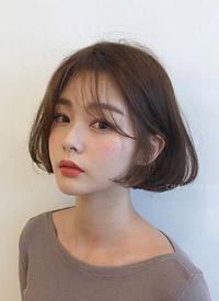 一组温柔系点的女生美丽短发欣赏
