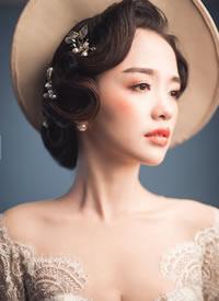 一组时尚欧美复古大气的新娘发型