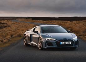 一组全新的全新Audi R8 V10 Performance图片