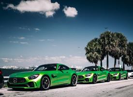 一组绿色帅气的奔驰AMG GT-R x3图片