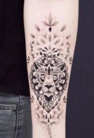 点刺和色块组合的18张小清新黑色纹身