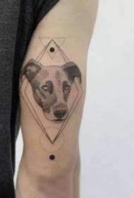 18组小清新点刺风格的小纹身图片