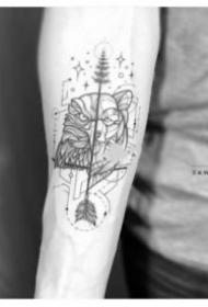 半面风格的几何动物纹身创意设计