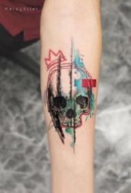 水彩色的一组小清新纹身图片