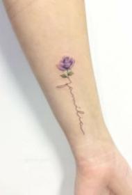 适合女生的超简约18张小清新纹身图片