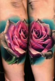 14組漂亮的歐美寫實彩色玫瑰紋身圖