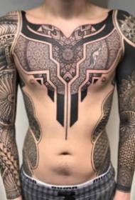 传统图腾与几何图案相结合纹身作品