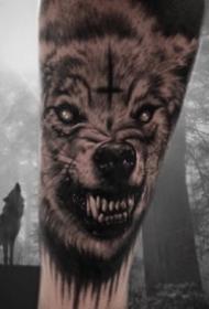 几张霸气的狼纹身图片欣赏