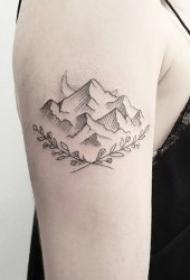 纹身黑色   简单而又极具创意的小山峰纹身图案