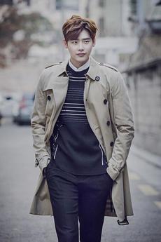 韓國男演員李鐘碩最新雜志攝影寫真大片