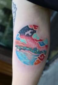来自韩国的一组圆形里的创意小纹身