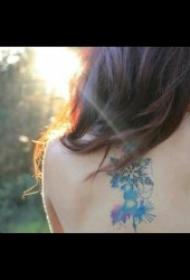 小雪花紋身圖案 一組小清新可愛多姿的雪花紋身圖案