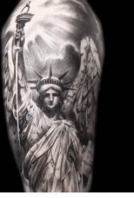 自由女神纹身 不同风格和纹身手法的自由女神纹身图案