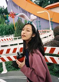 倪妮香港迪士尼可爱俏皮图片欣赏