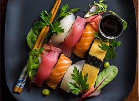 一组颜值高又好吃的寿司图片欣赏
