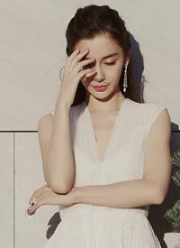 angelababy穿长白裙唯美写真图片欣赏
