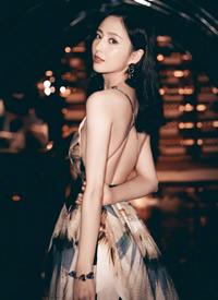 一組佟麗婭穿露背性感禮服圖片欣賞