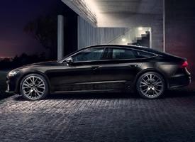 一组全新黑色帅气奥迪 S7图片欣赏