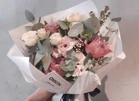 喜欢花的女孩 一定是懂得生活的人