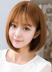 波波头短发这个造型看来比较适合在可爱女生