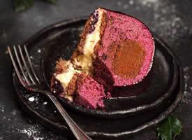 一组美味的巧克力蛋糕图片欣赏