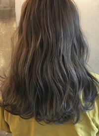 合适的发型总能让女孩子的背影看起来温柔又可爱