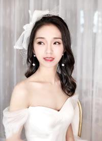 柔美 独特 清新的新娘发型图片欣赏
