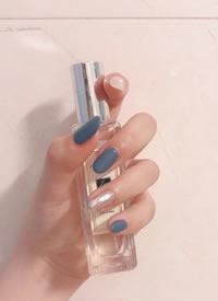 九款雾霾蓝色系美甲,干净又清爽的蓝色
