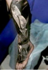 腿部紋身   技巧性十足的百變腿部紋身圖案