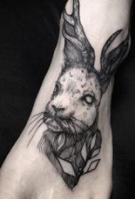 纹身黑色   10款炫酷而又低调的黑色纹身图案