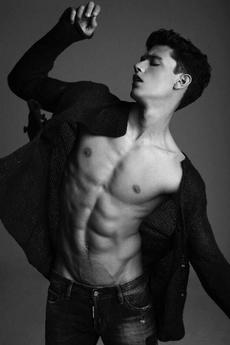8组白衣诱人的性感帅哥肌肉男图片写真集