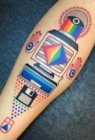 创意纹身男  适合IT男创意而又奇特的电脑纹身图案